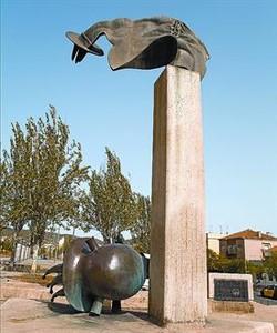 Monumento a los brigadistas 8 El símbolo de la caída del fascismo.
