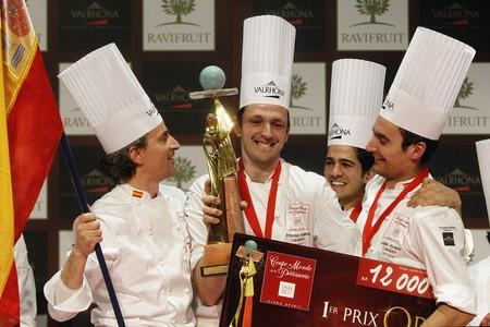 Yann Duystche, Jordi Bordas Santacreu, Josep Guerola y Julián Alvarez, con el premio.