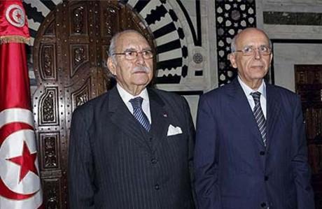El presidente interino de Túnez, Fued Mebaza (izquierda), y el primer ministro Mohamed Ganuchi.