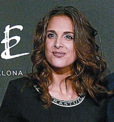 Nuria ferg se casa en palma rodeada de 39 extriunfitos - Mikel lopez iturriaga novio ...
