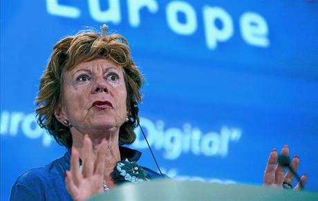 La comisaria de la Agenda Digital, Neelie Kroes, ayer en Bruselas.