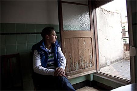 Mohamed, en la sede de la oenegé de extutelados Punt de Referència