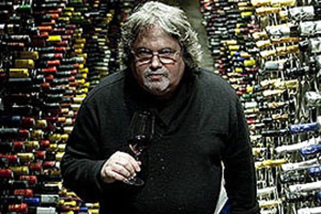 Jay Miller en la bodega Monvínic JULIO CARBÓ