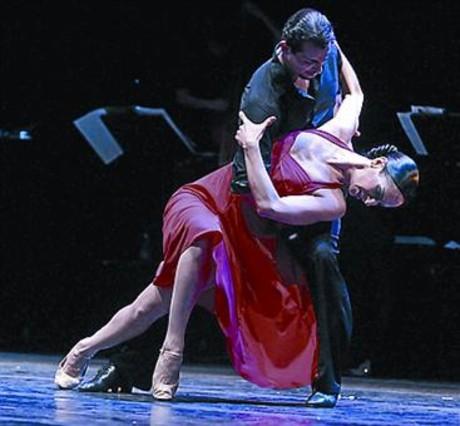 El ballet argentino revisa la historia del tango en el for Las ultimas noticias del espectaculo argentino
